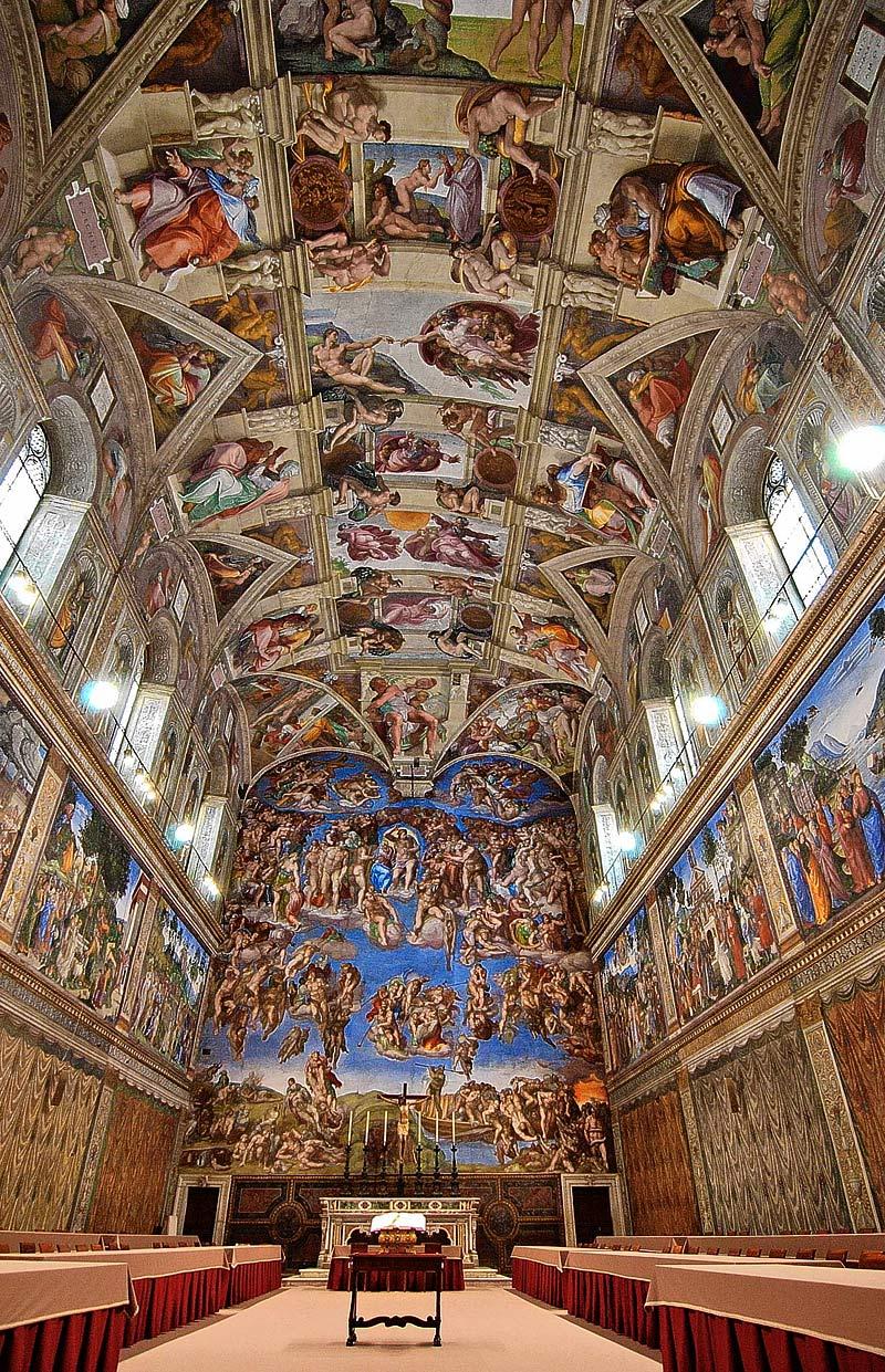 Benedicto XVI preside el canto de las vísperas
